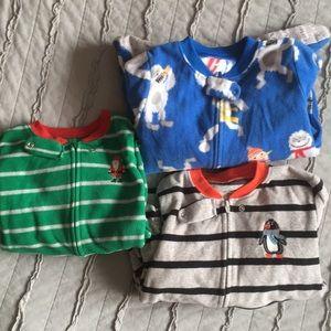 3 fleece Carter's footed pajamas 2t  EUC/like new